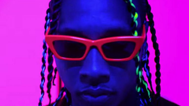 Tyga – Haute  ft. J Balvin, Chris Brown